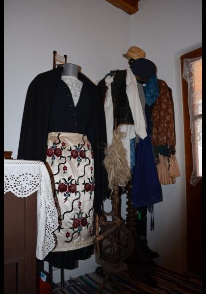 "Muzeul etnografic ""Alexandru Chiș"""