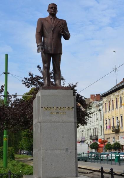 Statuia lui Vasile Goldiș